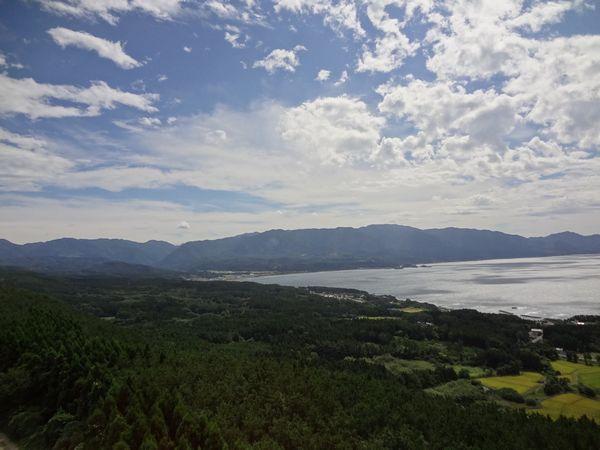 白神山地と弘前・青森の旅(6) 2日目 黒々とした白神山地を眺める