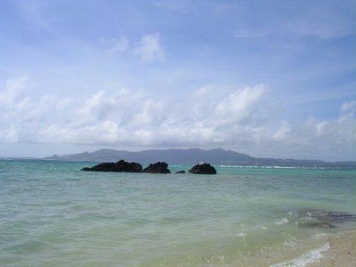 水納島と知念へのドライブ旅(3) 沖縄の夜は泡盛カクテルでふけていく