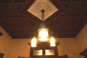 天井が和と洋のコラボレーション!