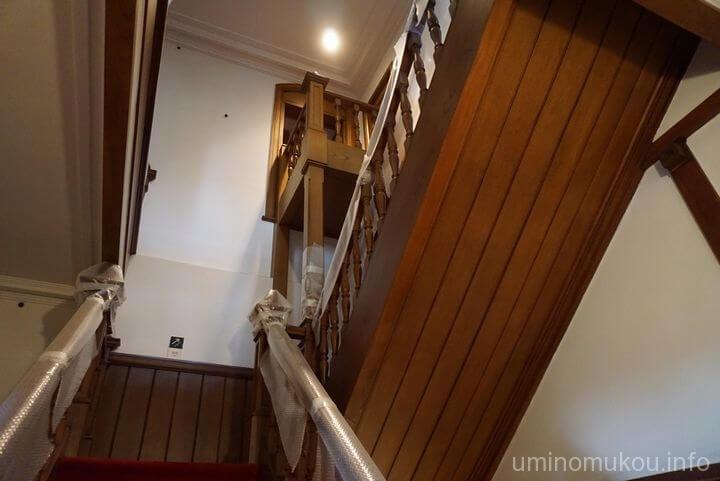 旧田中家住宅 ②素敵な階段室から3階の内蔵と控えの間へ