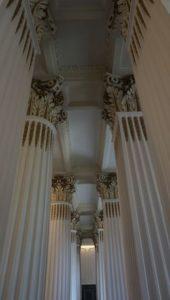 柱の装飾が美しいのです