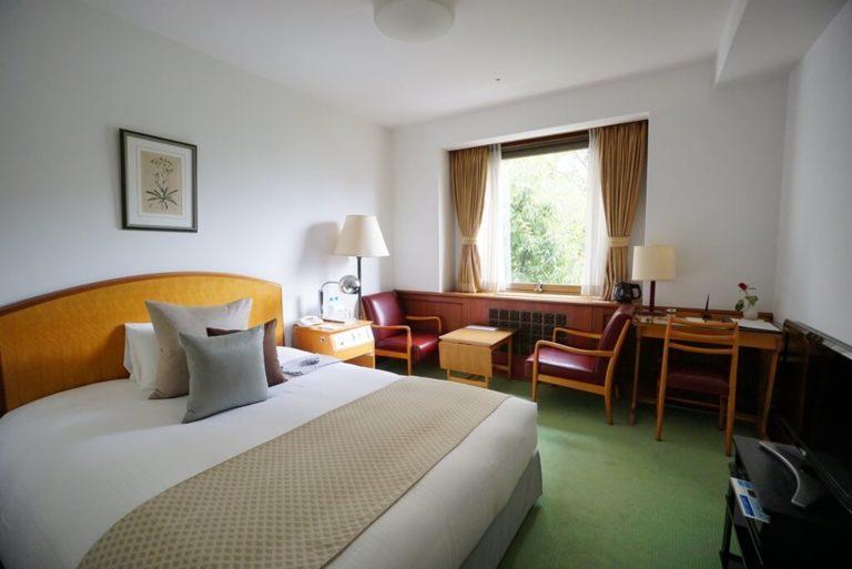山の上ホテル デラックスダブルのお部屋
